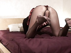 wanking off in  pantyhose with electro-hitachi