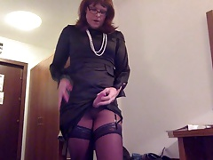 Transvestite onanism in satin
