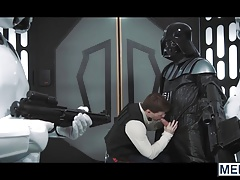Vader pounds Hans Solos toughly