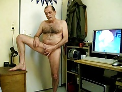 mature dad wanking off